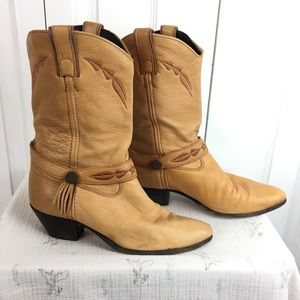 Gorgeous Laredo cowboy boots with side tassel